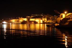 La Valette vue depuis Vittoriosa de nuit