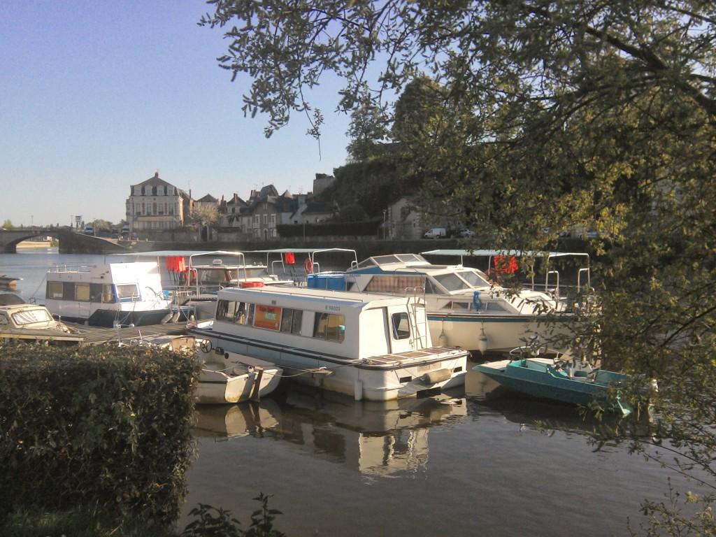 le port d eplaisance de Château-Gontier Canotika